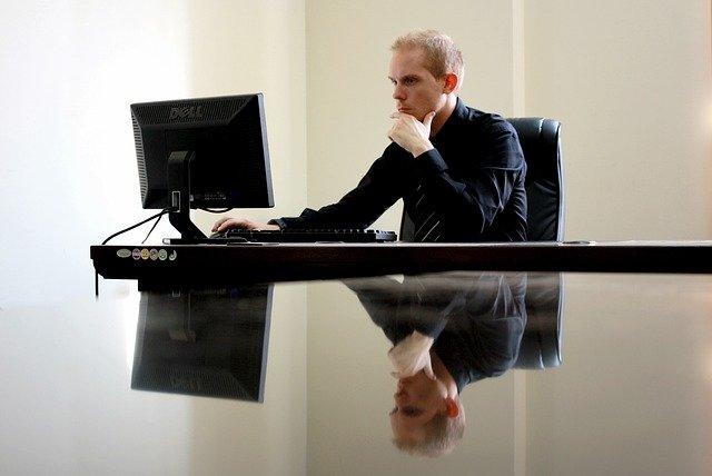 Recourir aux services d'un courtier en immobilier pour éviter le stress